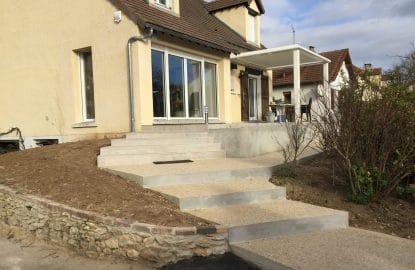 Réalisation d'une terrasse en béton lavé