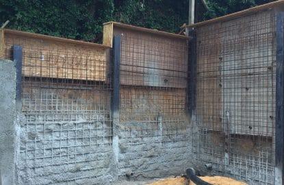 Réalisation du béton projeté pour un mur de soutènement